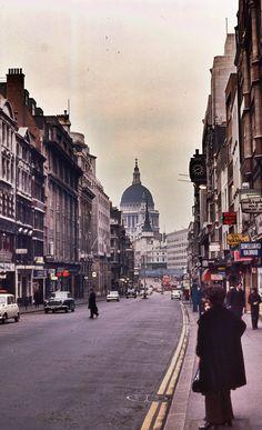 St Pauls Cathedral from Fleet Street February 1971 Vintage London, Old London, East London, London City, Ghost Sightings, Fleet Street, London History, London Photos, His Travel
