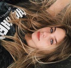 Cute Girl Photo, Girl Photo Poses, Girl Photography Poses, Girl Pictures, Girl Photos, Western Girl, Face Photo, Bad Girl Aesthetic, Tumblr Girls