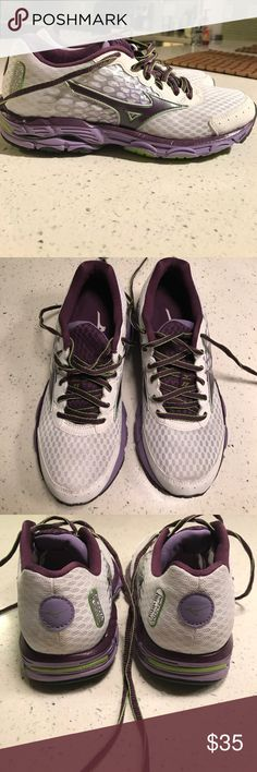 Mizuno running shoes EUC Mizuno running shoes. Worn only a couple of times, no damage or stains. Size 7.5 Mizuno Shoes Sneakers