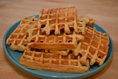 Ik lust heel graag havermoutpannenkoeken 's ochtends en zo heeft mijn ontbijt toch een 'feestelijk' randje. Havermout vult bij mij altijd goed dus besloot ik eens een stapel haver…