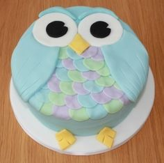 owl cake (this would be cute for a baby shower or birthday party, just change the blue to pink)
