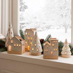 Ceramic Christmas Trees, Christmas Crafts, Christmas Ornaments, Ceramic Christmas Decorations, Modern Christmas, Xmas, Clay Houses, Ceramic Houses, Diy Clay