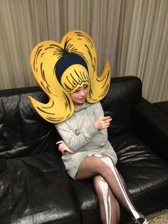 """きゃりーぱみゅぱみゅ-- that is what I call """"Big Hair"""" Halloween Kostüm, Halloween Makeup, Halloween Costumes, Crazy Costumes, Foam Wigs, Kyary Pamyu Pamyu, Crazy Hats, Theatre Costumes, Halloween Disfraces"""