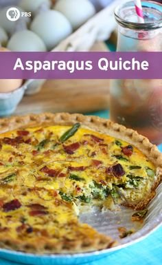 Enjoy this colorful quiche recipe filled with asparagus, leeks, and bacon for brunch or a wonderful light dinner. Asparagus Quiche, Asparagus Bacon, Bacon Quiche, Brunch Foods, Brunch Recipes, Breakfast Recipes, Quiche Recipes, Casserole Recipes, Main Dish Salads