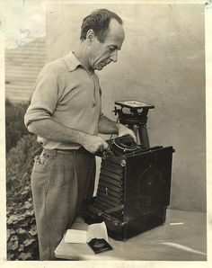 Edward Weston by John Sexton ( noted for being Ansel Adams assistant in their early years) Minimalist Photography, Modern Photography, Color Photography, Vintage Photography, Film Photography, Black And White Photography, Photography Lessons, People Photography, Edward Weston