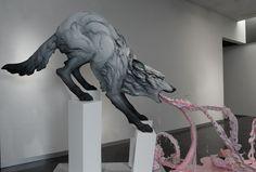<center> En el tema de arte: Beth Cavener</center> - LaianaIsabel