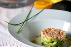Tartare avocat, crevettes aux agrumes. Publié par Be Chef. Retrouvez toutes ses recettes sur youmiam.com.