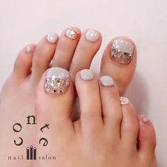 Make an original manicure for Valentine's Day - My Nails Gold Nail Polish, Gold Nails, Pretty Toe Nails, Fun Nails, Pedicure Nails, Manicure, Summer Toe Nails, Nail Art Brushes, Nail Patterns
