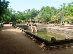 2014.06.15 - Anuradhapura -  Kuttam Pokuna 1