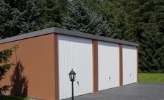 Vakolt tégla hatású mobilgarázs Garage Doors, Shed, Outdoor Structures, Outdoor Decor, Home Decor, Decoration Home, Room Decor, Home Interior Design, Carriage Doors