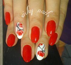 #redpoppies , #blackandrednails #nailart #beautifulnails #ovalnails