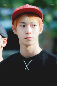 Cre: on pic Nct 127 Mark, Mark Nct, Lipstick Prince, Christian Boyfriend, Nerd Boyfriend, Gong Myung, Nct U Members, Nct Dream Chenle, Yangyang Wayv