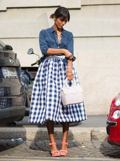Denim street style how to wear Denim Street Style, Look Street Style, Street Chic, Street Styles, Fashion Mode, Look Fashion, Womens Fashion, Fashion Trends, Milan Fashion