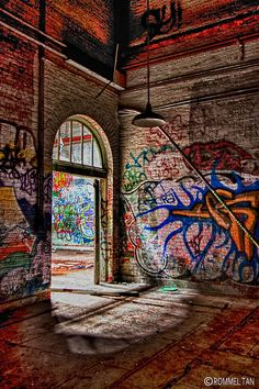 Abandoned Building (Art); New York City, U.S. (America, northern continent)