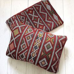 Add a Moroccan style to your room with our handmade Pompon Pillows. will bring you warmth and style. Pompon Pillows have a beautiful texture and are great to add to your home decor. Gorgeous Pompom Pillows, hand loomed in Marrakech on traditional wooden looms, from 100% cotton. This pompon pillows is beautiful as a bedcover or throw on your sofa. They create a stylish and chic atmosphere. All cottons are made using natural dyes. Berber, Cover Pillow, Beautiful Textures, Moroccan Style, Marrakech, Dyes, Loom, Throw Pillows, Traditional