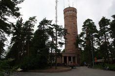 Maailman suurimmalla soraharjulla sijaitseva Pyynikin näkötorni on tunnettu paitsi hienoista maisemistaan yli Tampereen myös makoisista munkeistaan. #tampere #finland