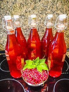 Rybízový sirup Hot Sauce Bottles, Salsa, Vegetables, Food, Lemon, Syrup, Essen, Vegetable Recipes, Salsa Music