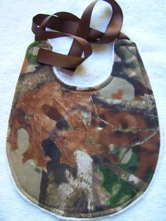 Baby burp cloth and bib set. Break up camo by chinaberrycreek, $15.00