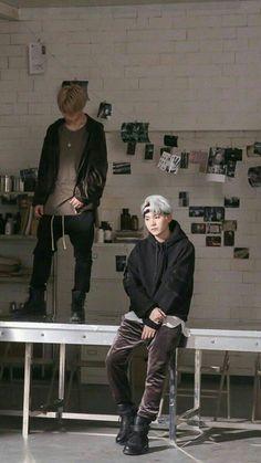 Jimin and suga mic drop Namjoon, Taehyung, Min Yoongi Bts, Hoseok, Big Bang, Foto Bts, Bts Bangtan Boy, Bts Jimin, Suga Suga