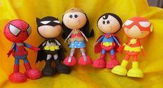 Les poupées Fofuchas, sont de magnifiquespoupées 3D fabriquées à partir de boules de styromousse, et de feuilles de mousse EVA! Vous pourrez modeler la mousse EVA en la chauffant avec votre fer à repasser. Il existe maintenant des feuilles de mousse