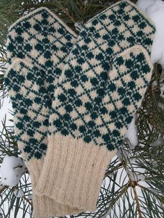 Finely Hand Knitted Estonian Mittens FREE by NordicMittens on Etsy