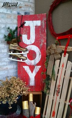 How to paint a barnwood sign for Christmas or any season and holiday. These are easy instructions for making a DIY porch decor with stencil in gold, red and white! Christmas Wood Crafts, Outdoor Christmas, Simple Christmas, Christmas Crafts, Christmas Decorations, Christmas Ideas, Christmas Christmas, Holiday Ideas, Christmas Candles