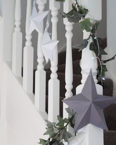 A stylish way to decorate this Christmas. Here's how I got on making my own DIY paper star decorations and how you can make some too. Diy Christmas Star, Christmas Paper, Christmas Crafts, Xmas, Paper Christmas Decorations, Star Decorations, Wall Hanging Crafts, Diy Wall Art, Flower Arrangements Simple