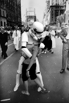 Geek love. Recreation of the V-J Day in Times Square photograph by Alfred Eisenstaedt.