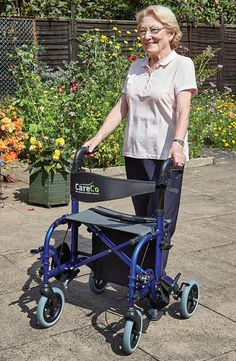 The Tandem Duo is a wheelchair and rollator in one giving you the best of both worlds. This lets you support yourself while walking but also provides you with the option of being pushed if you become tired or travel up steep terrain.