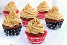 Gingerbread+Cupcakes+with+Gingerbread+Butter+Cream+Frosting