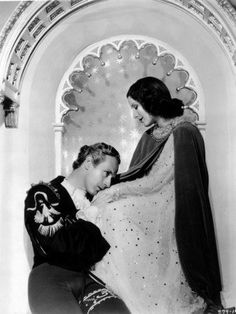 Portrait of Leslie Howard and Norma Shearer in Romeo and Juliet directed by George Cukor, 1936