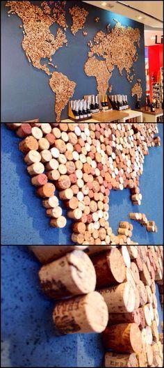Die Welt aus Weinkorken! Sieht super interessant aus, man muss aber den ein oder anderen Wein getrunken haben ;) Also fangt schon mal an zu sammeln <3 - Jatto