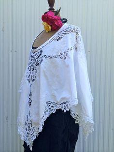 womens battenburg lace poncho por kirstyhiggins en Etsy