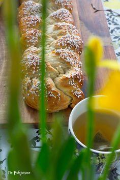 Pääsiäinen, easter, pullapitko, leipominen, tee, tea, baking, deco, sommittelu, photography, valokuvaus,