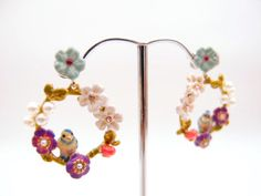 Frostjewel-Songbird-in-Wreath-Earrings