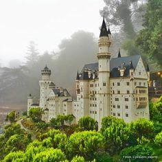 Felipe, o pequeno viajante: Mini Mundo em Gramado - réplicas em miniatura de lugares famosos de várias partes do mundo