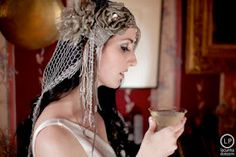 A look of antiquity.  Share by Enjoy Wedding.