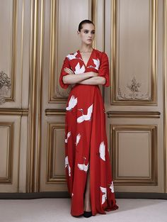 In love with beauty and traditions, Delphine Manivet designs romantic, modern and timeless bridal dresses. Discover her french bridal inspiration here. Delphine Manivet, Bird Dress, Red Gowns, Casual Chic Style, Fashion Outfits, Womens Fashion, Pattern Fashion, Bridal Dresses, My Style