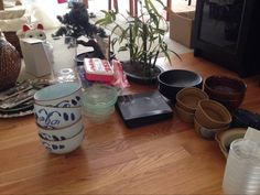 Free dishware? Kind of ugly. But tupperware okay. http://seattle.craigslist.org/see/zip/4943289234.html