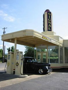 St Johns neighborhood Portland, Oregon - restored service station, now a pizza cafe