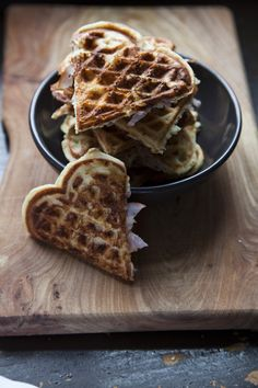 vafler med skinke og ost (waffles with ham and cheese, recipe in Danish)