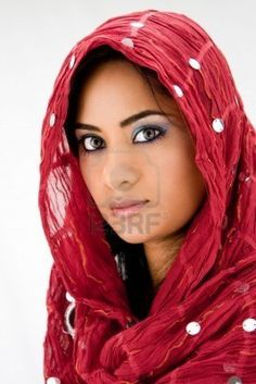 arabian-girl-nudes-with-scarfs-on-heads-digilight-facial-treatments