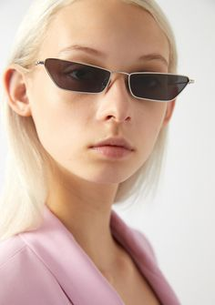 The KALEOS EYEHUNTERS    VALE Sunglasses for woman offer a micro-style  transporting us 0431374fe394