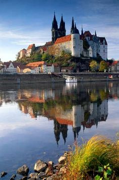 Misnia Schloss - Albrechtsburg, Sachsen, Germany - built 1471-on - late Gothic architecture - on a rock high above the Elve River - first castle in Germany built solely as a residence - from 1710-1863 Meissen porcelain was produced here.