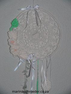 Crochet Dream Catcher diameter using Elle Crochet thread No. Thread Crochet, Dream Catcher, Creative, Home Decor, Dreamcatchers, Decoration Home, Room Decor, Crochet Yarn, Home Interior Design