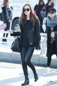Image discovered by jessica jung. Snsd Fashion, Korea Fashion, Asian Fashion, Daily Fashion, Fashion Outfits, Fashion Photo, Kpop Outfits, Casual Outfits, Jessica Jung Fashion