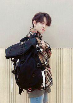 Mashiho | YG TREASURE BOX [IN MY BAG] Nct, Yg Trainee, Boyfriend Pictures, Treasure Boxes, Yg Entertainment, Kpop Boy, Beautiful Boys, Yoshi, Boy Groups