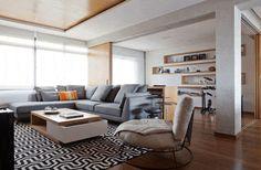 persiana rolô para sofá cinza