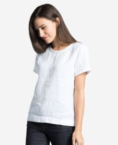 <div class='description'> For sunny days, nothing says effortless cool quite like a linen tee. Floats against the body, feels all kinds of breathable soft, and pairs perfectly with all your wardrobe mainstays. <ul> <li>Crafted from 100% Irish linen</li> <li>Split side seam for ease of movement</li> <li>Wear true to size for a regular fit</li> </ul>