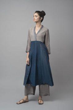 MONOKURO A monochromatic aesthetic inspires this range of contemporary apparel with ikat detailing. Kurta Designs Women, Kurti Neck Designs, Salwar Designs, Pakistani Dresses, Indian Dresses, Indian Outfits, Indian Fashion, Fashion Top, Fashion Outfits